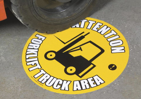 This sign warns workers of a forklift area.